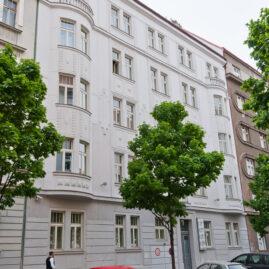 Rekonstrukce uliční a dvorní fasády Laubova 6, Praha 3