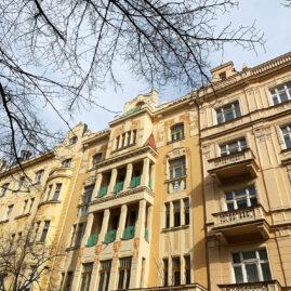 Rekonstrukce historické fasády Slavíkova 4, Praha 2