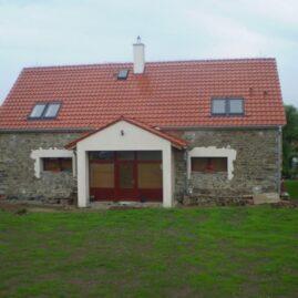 Přestavba stodoly na rodinný dům v obci Líšnice
